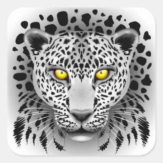 Leopardo branco com etiquetas quadradas dos olhos