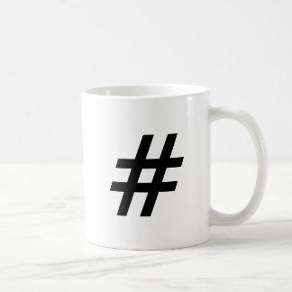 letra do símbolo do texto do hashtag caneca de café