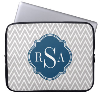 Letra inicial do monograma cinzento do marinho de bolsas e capas para computadores