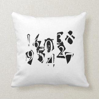 Letras e fronha de almofada abstratas dos números travesseiros de decoração