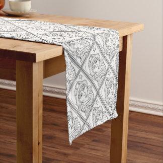Linha design do sapo da bruxa do mascarada da arte caminho de mesa pequeno