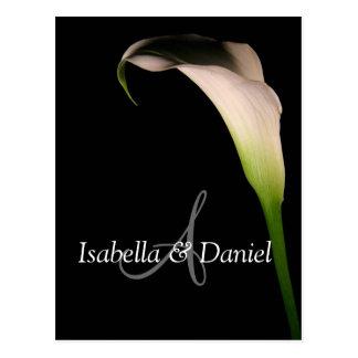 Lírio de Calla dos cartão do casamento monogramas Cartão Postal