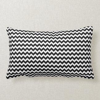 Listra preto e branco de Chevron Travesseiro