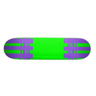 listras coloridas shape de skate 18,7cm