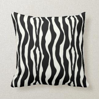 Listras da zebra - preto e branco travesseiros de decoração