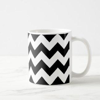 listras preto e branco elegantes da viga caneca de café