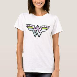 Logotipo colorido do esboço da mulher maravilha camiseta