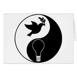 Logotipo do libertarianismo que sublinha a paz & a cartão
