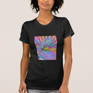 Lotus Um estilo diferente por Naveen Joshi T-shirt