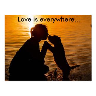 Love is everywhere - Postcard Cartões Postais