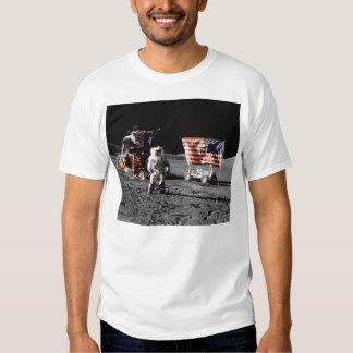 Lua de Apollo 17 baixa (parte dianteira) T-shirt