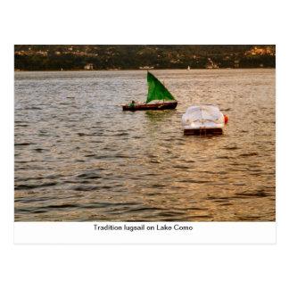 Lugsail da tradição no lago Como Cartão Postal