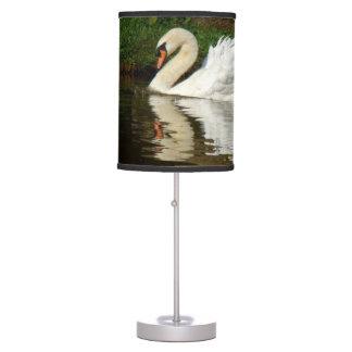 Luminária De Mesa Candeeiro de mesa animal da lagoa da natação dos