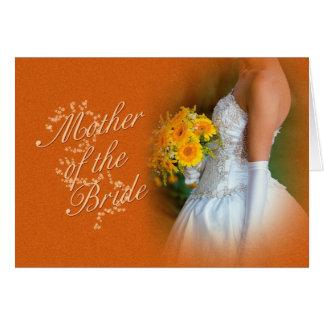 Mãe do cartão dos parabéns da noiva com brid