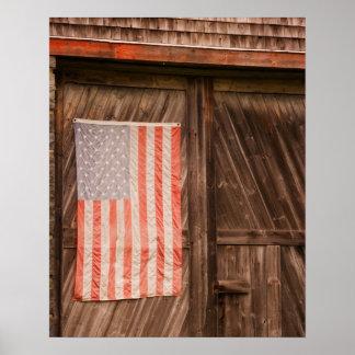 Maine, bandeira americana desvanecida na porta do  poster