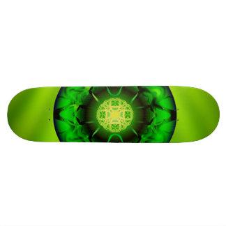 Mandala verde orgânica shape de skate 18,4cm
