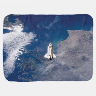 Manta De Bebe Órbita de terra do esforço STS-113 do vaivém