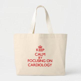Mantenha a calma centrando-se sobre a cardiologia bolsa de lona