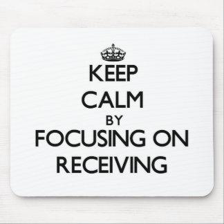Mantenha a calma centrando-se sobre a recepção mouse pads