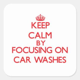 Mantenha a calma centrando-se sobre lavagens de adesivo quadrado