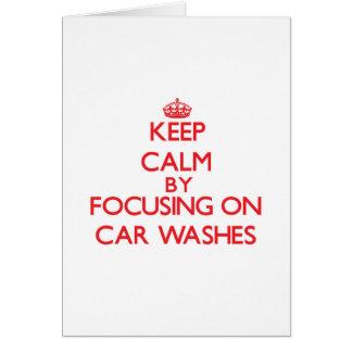 Mantenha a calma centrando-se sobre lavagens de cartao