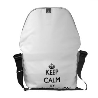 Mantenha a calma centrando-se sobre leituras bolsas mensageiro