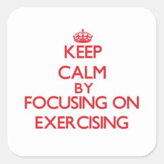 Mantenha a calma centrando-se sobre o EXERCÍCIO Adesivo Quadrado