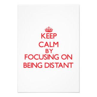 Mantenha a calma centrando-se sobre ser distante convite personalizado
