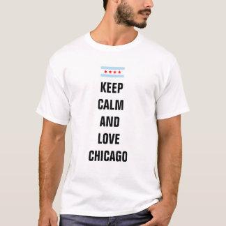 Mantenha a calma e ame Chicago Camiseta