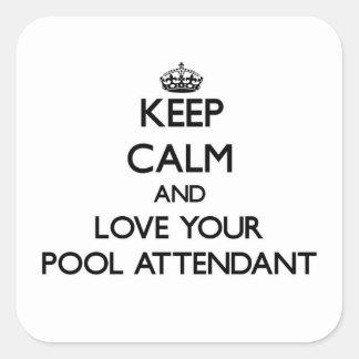 Mantenha a calma e ame seu assistente da piscina adesivo quadrado