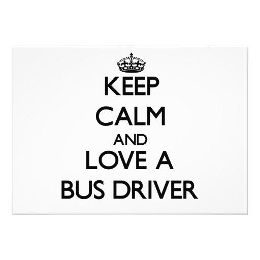 Mantenha a calma e ame um condutor de autocarro convite personalizado
