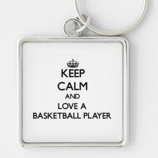 Mantenha a calma e ame um jogador de basquetebol chaveiro quadrado na cor prata
