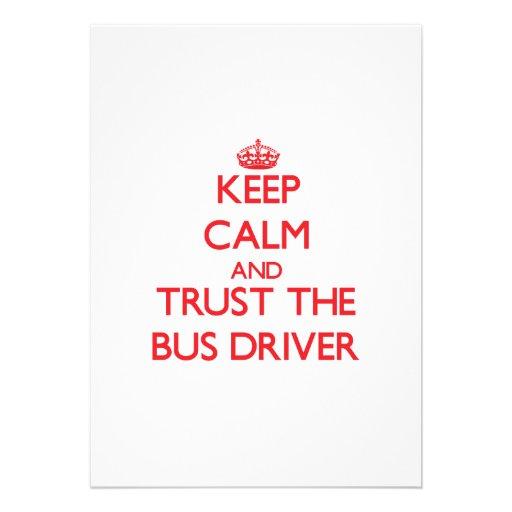 Mantenha a calma e confie o condutor de autocarro convites