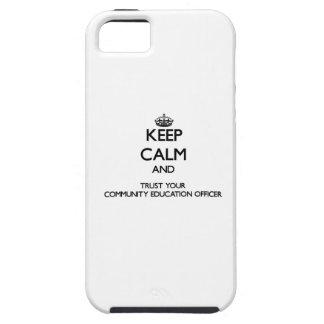Mantenha a calma e confie sua educação Offic da Capa Tough Para iPhone 5