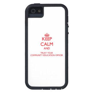 Mantenha a calma e confie sua educação Offic da co Capa De iPhone 5 Case-Mate