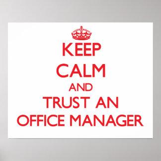 Mantenha a calma e confie um gestor de escritório impressão