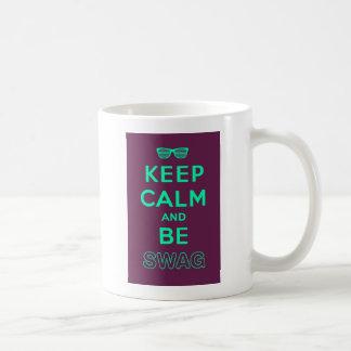 Mantenha a calma e continue seja óculos de sol dos caneca de café