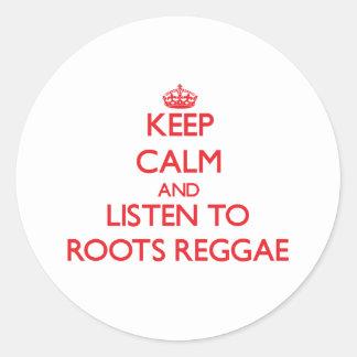 Mantenha a calma e escute a REGGAE das RAIZES Adesivo Redondo