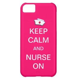 Mantenha a calma e nutra-a no rosa da goma de capa para iPhone 5C