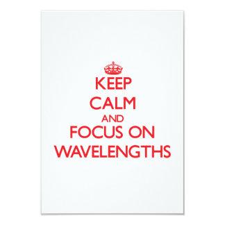 Mantenha a calma e o foco em comprimentos de onda convite 8.89 x 12.7cm