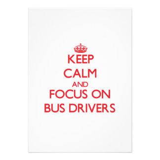 Mantenha a calma e o foco em condutores de autocar convites personalizados