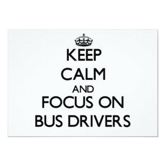 Mantenha a calma e o foco em condutores de convite personalizado