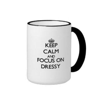 Mantenha a calma e o foco em Dressy Caneca Com Contorno
