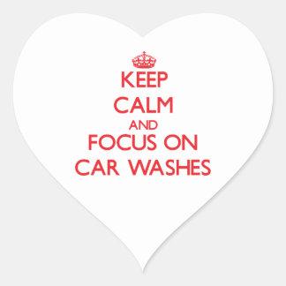 Mantenha a calma e o foco em lavagens de carros adesivos em forma de corações