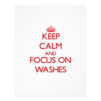 Mantenha a calma e o foco em lavagens panfleto coloridos
