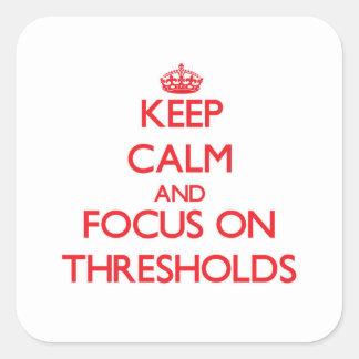 Mantenha a calma e o foco em pontos iniciais adesivos quadrados