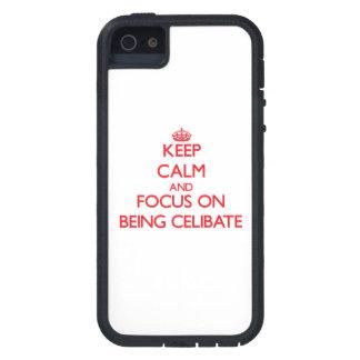 Mantenha a calma e o foco em ser celibato iPhone 5 capa