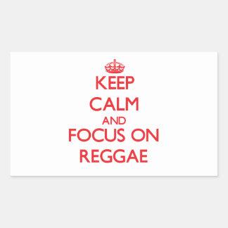 Mantenha a calma e o foco na reggae adesivos retangular