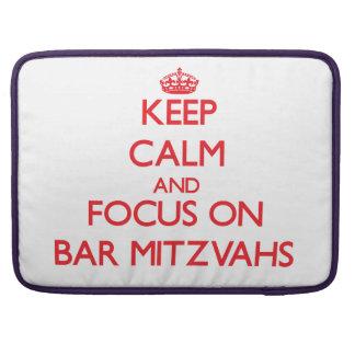 Mantenha a calma e o foco no bar Mitzvahs Bolsa MacBook Pro