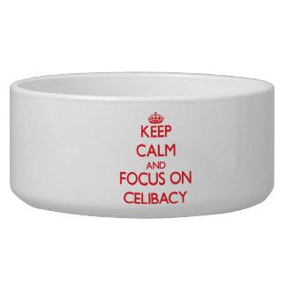 Mantenha a calma e o foco no celibato tijelas para comida de cachorros